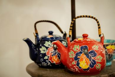 Exquisitely Crafted Teapots <br/> for moments of serenity